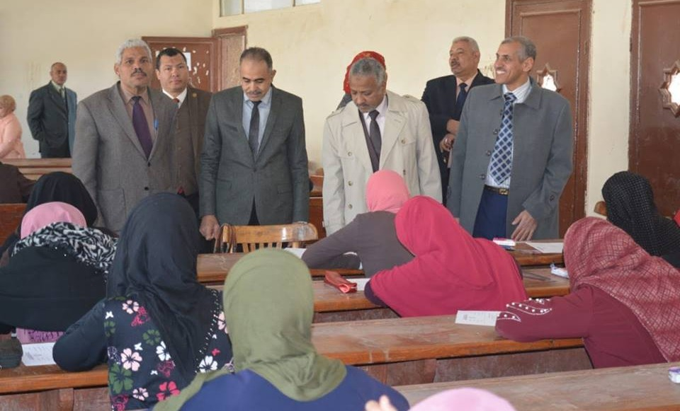 نائب رئيس جامعة الأزهر يتفقد امتحانات كليتي البنات الإسلامية والتربية