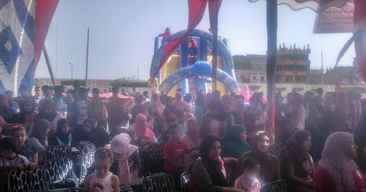 طلاب أسرة فلاش بجامعة طنطا يحتفلون بيوم اليتم (صور)