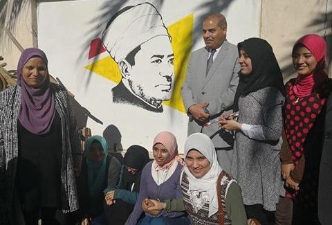 رئيس جامعة الأزهر يفتتح معرضا فنيا بدراسات الإسكندرية (صور)