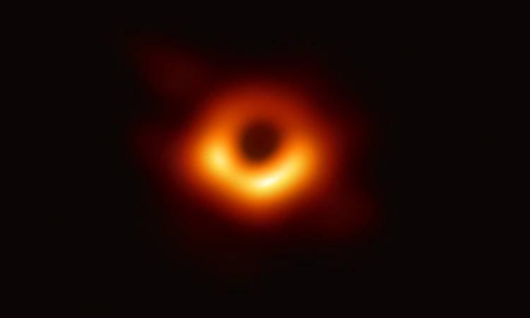 الثقب الأسود.. شاهد الاكتشاف الذي يبعد عن الأرض 55 مليون سنة ضوئية