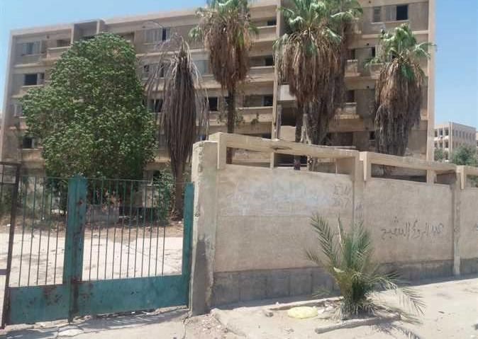 أهالي الإسماعيلية عن مدينة طلاب جامعة قناة السويس المهجورة: «وكر للدعارة والمخدرات»