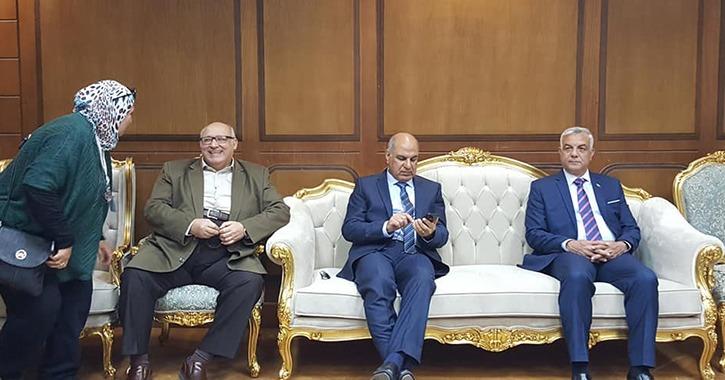 رئيس جامعة عين شمس يصل كفر الشيخ لحضور افتتاح أسبوع شباب الجامعات