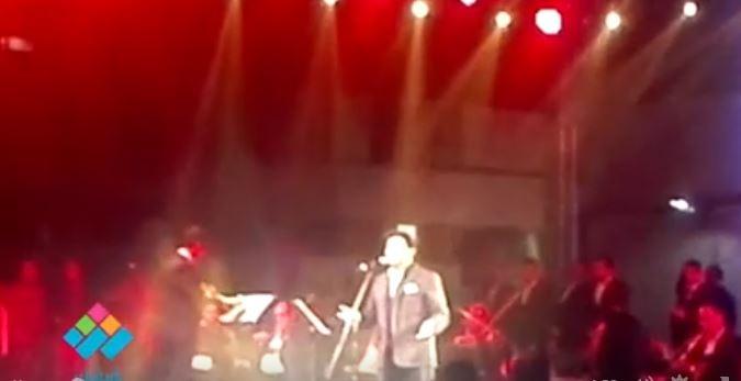 أمير الغناء العربي الفنان هاني شاكر يغني «يا حبيبتي يا مصر» في كلية الطب جامعة عين شمس