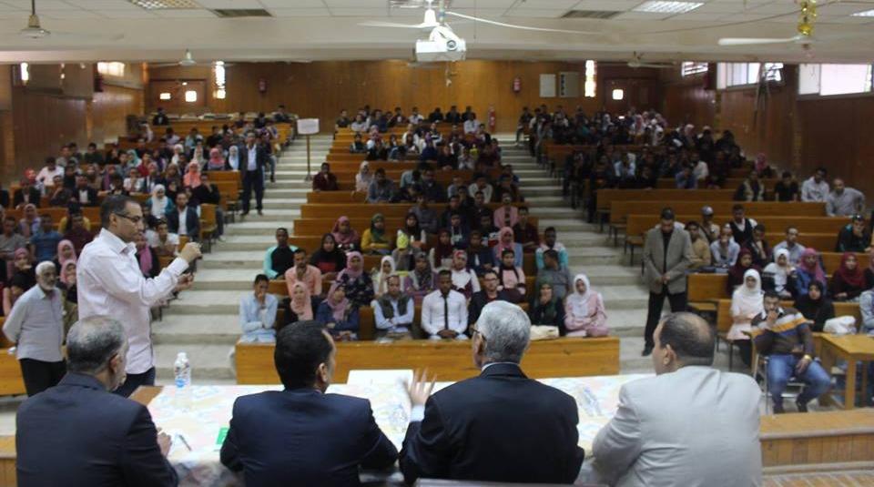 محمد سيد رئيسا لاتحاد طلاب جامعة جنوب الوادي وأبو السعود نائبا