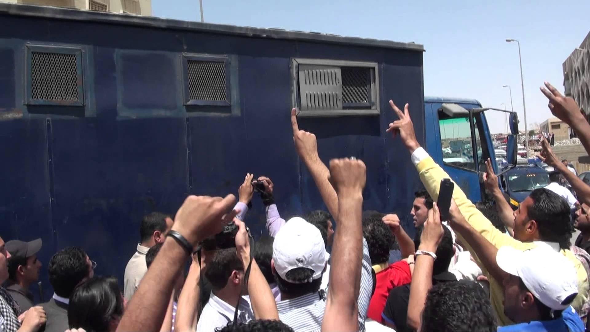 حكم نهائي ضد الضابط المتهم بقتل 37 مواطن في سيارة ترحيلات أبو زعبل