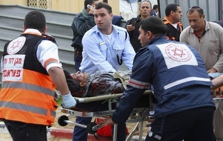 http://shbabbek.com/upload/مقتل 3 إسرائيليين طعنا على يد فلسطيني في الضفة الغربية