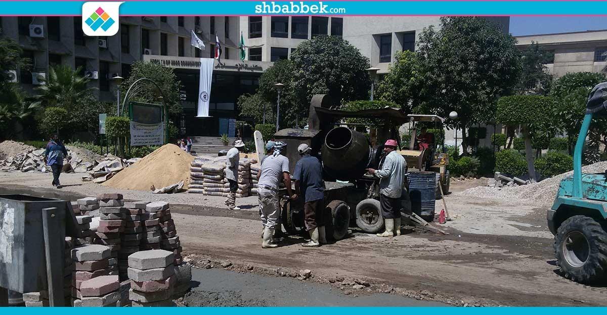 استمرار أعمال الحفر والصيانة بحرم جامعة القاهرة (صور)