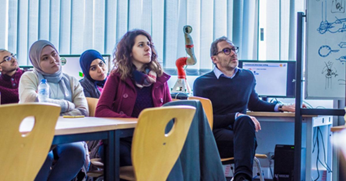 الجامعة الألمانية بالقاهرة تنظم ورشة «الطباعة ثلاثية الأبعاد على الألياف الضوئية»