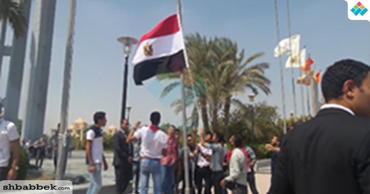بتحية العلم.. جامعة حلوان تبدأ فعاليات استقبال الطلاب الجدد