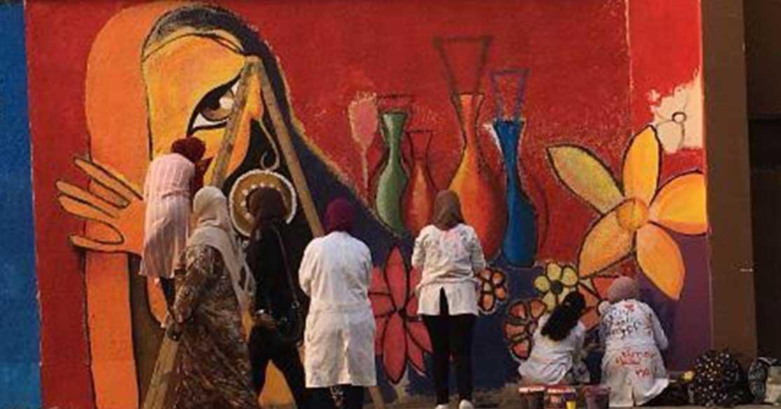 حملة تجميل سور مدينة طلاب جامعة عين شمس.. والوزير: ندعم المبادرات الشابة