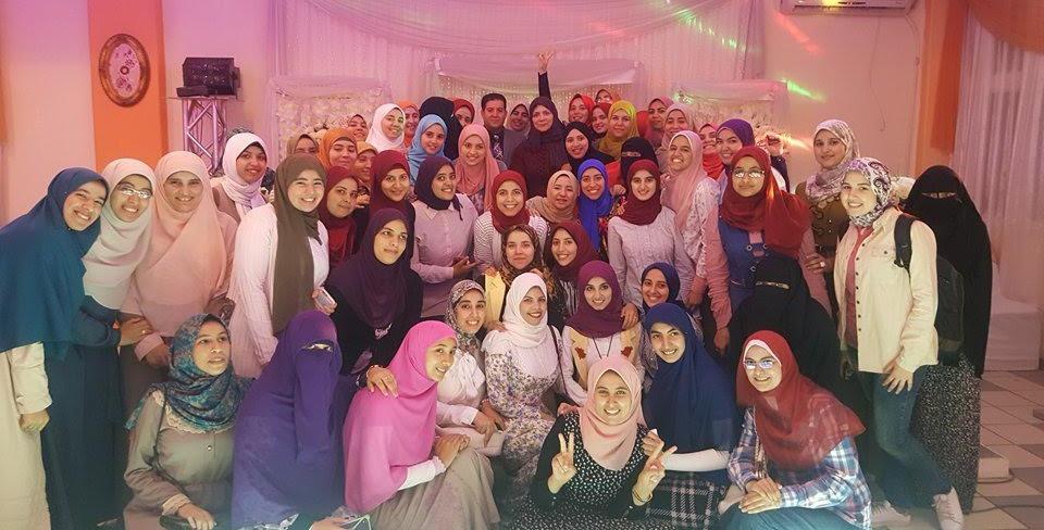 صور| حفل إفطار جماعي لطالبات «أسنان الأزهر» بالقاهرة