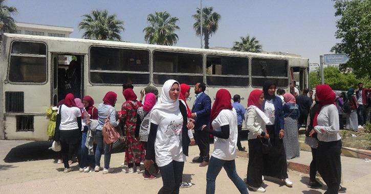 جامعة المنيا تحشد الطلاب للمشاركة في استفتاء تعديل الدستور لليوم الثالث (صور)