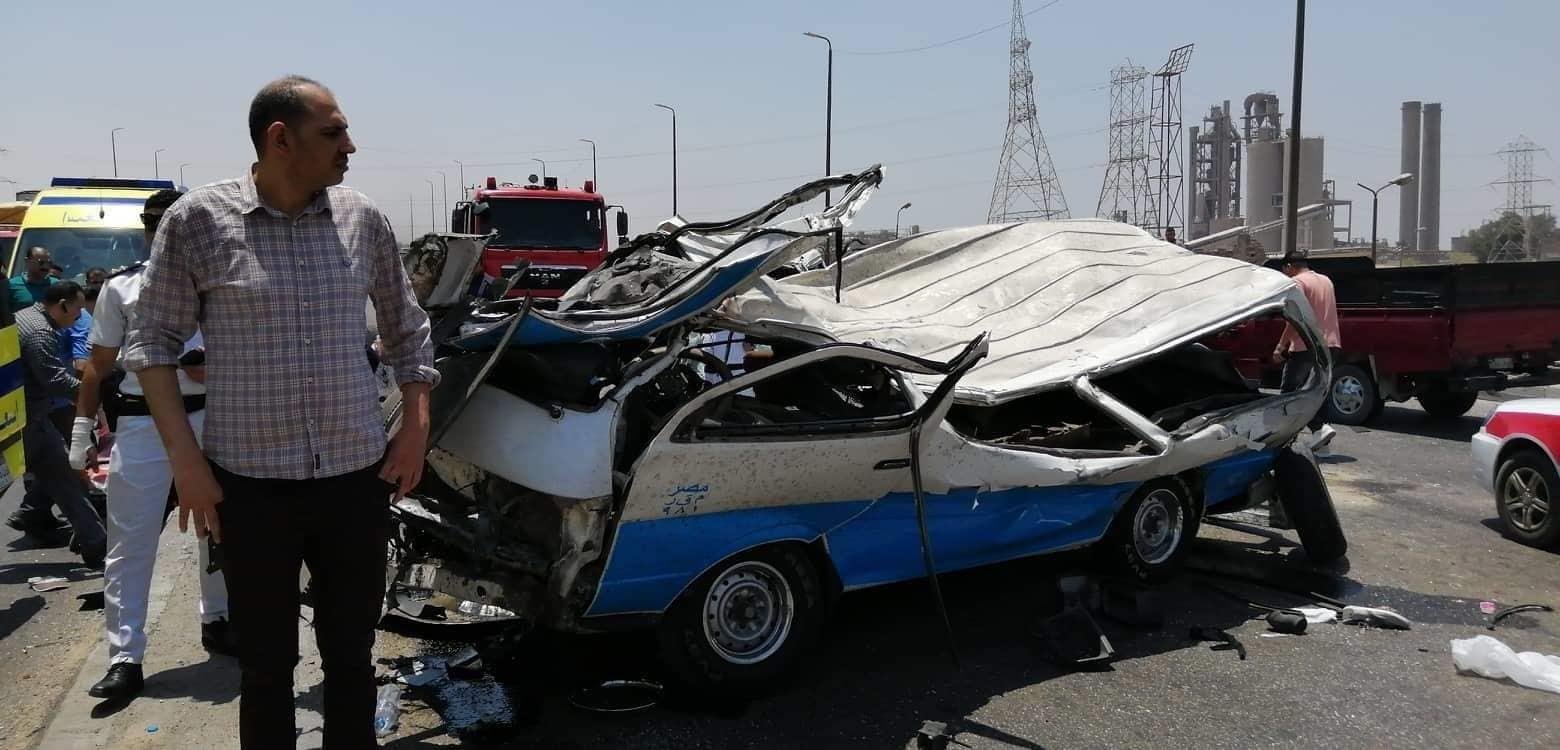 مصرع 14 شخص في حادث تصادم أعلى كوبري طره (صور)