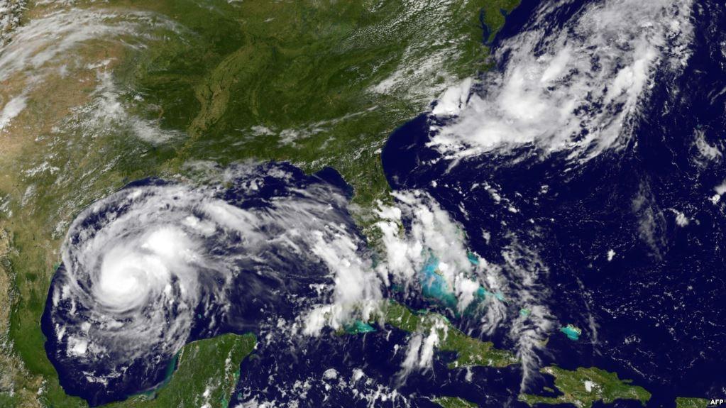 أمريكا تستعد.. إعصار «هارفي» الأقوى منذ 10 سنوات يهدد الملايين (فيديو)