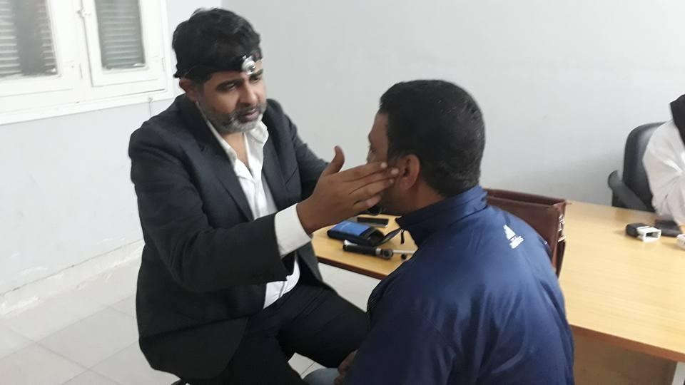 جامعة الزقازيق: الكشف على 917 مواطنا وإجراء 5 عمليات عيون في مرسى علم