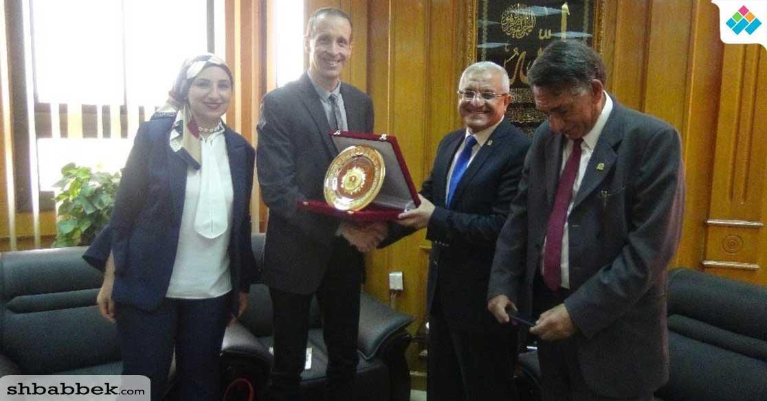 جامعة المنيا تكرم البعثة الألمانية في ختام مرحلتها الأولى بمنطقة تونا الجبل