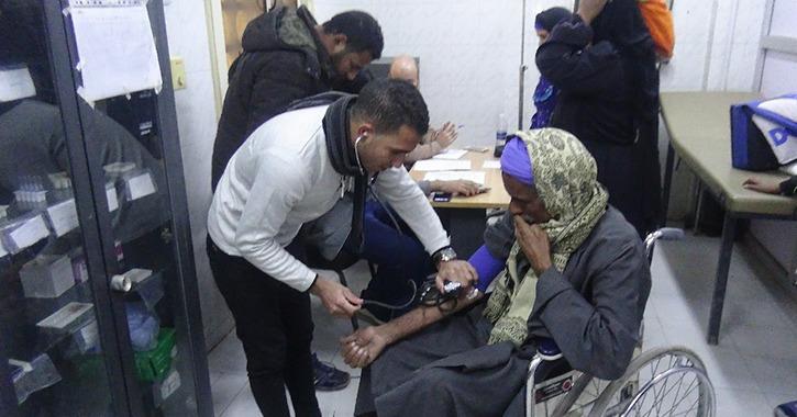 جامعة المنيا تطلق قافلة طبية شاملة لقرية «الديابة»