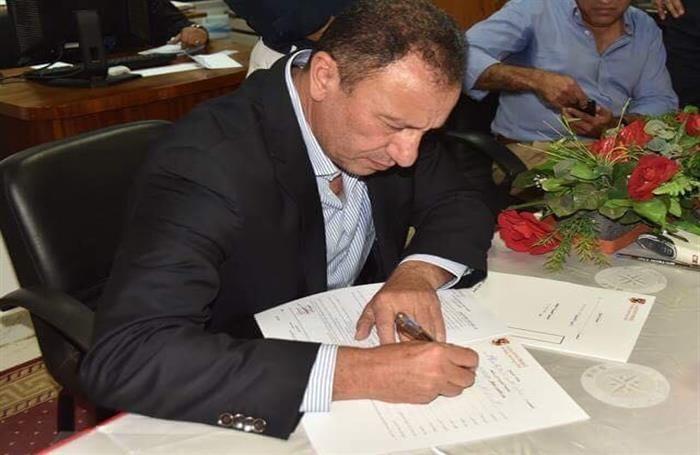 بالصور.. «الخطيب» يتقدم بأوراق ترشحه على مقعد رئاسة الأهلي
