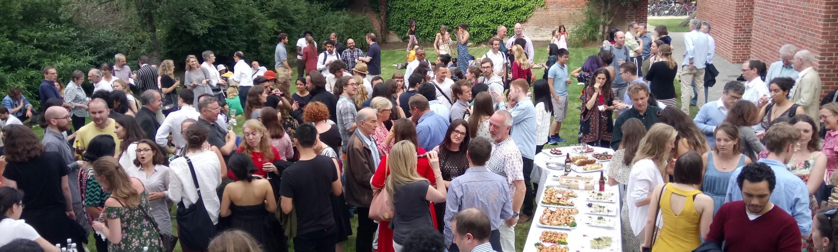 استقبال الطلاب في جامعة هارفرد