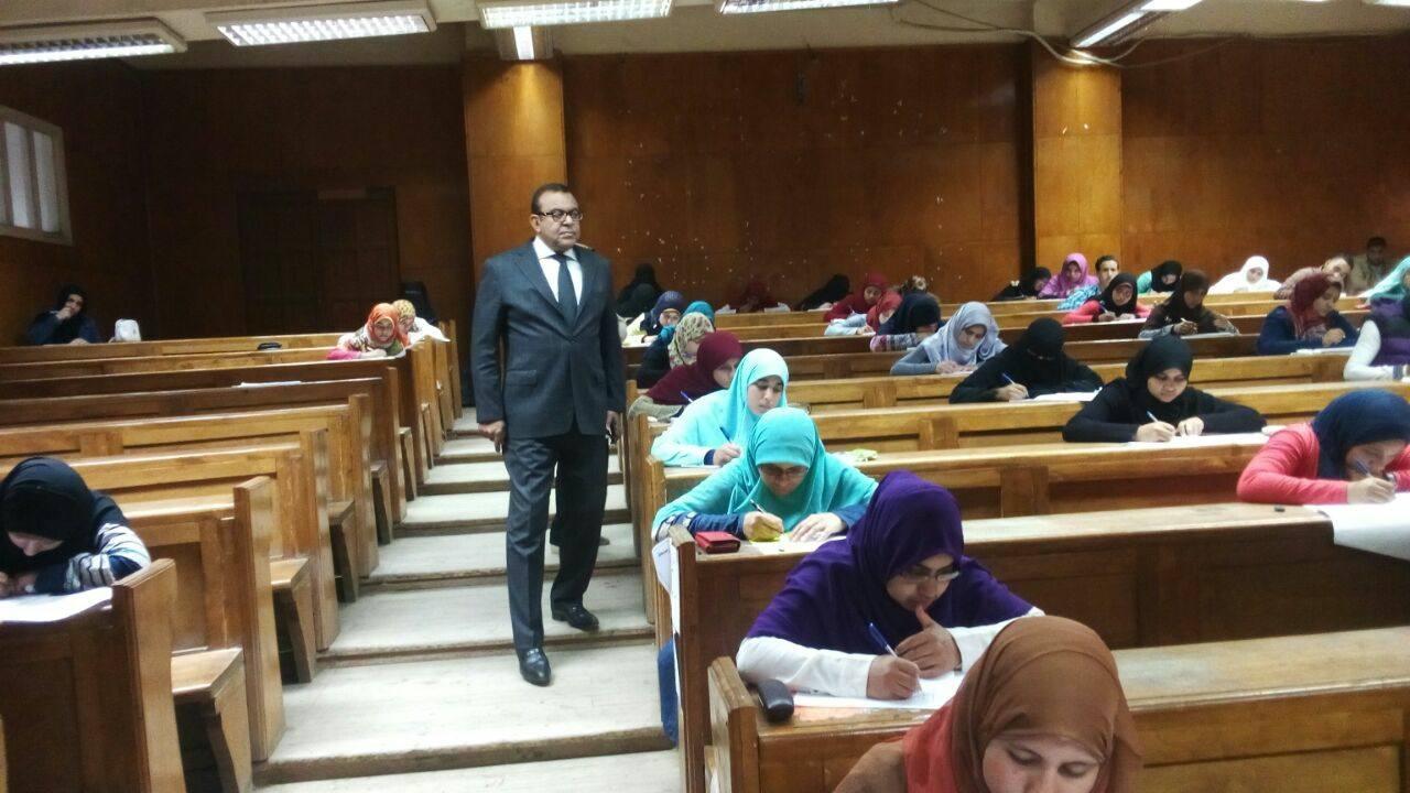 تحرير 196 محضر غش في امتحانات جامعة بني سويف