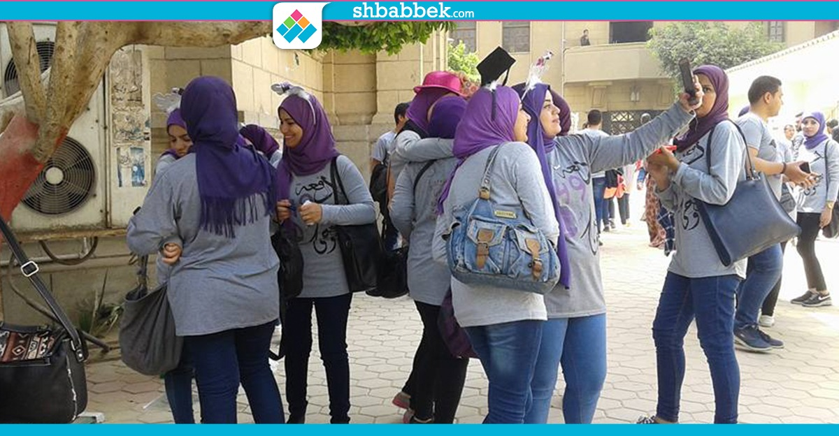 http://shbabbek.com/upload/بكتابة عبارات للذكرى.. طلاب حقوق القاهرة  ينظمون «فوتو داي» (صور)