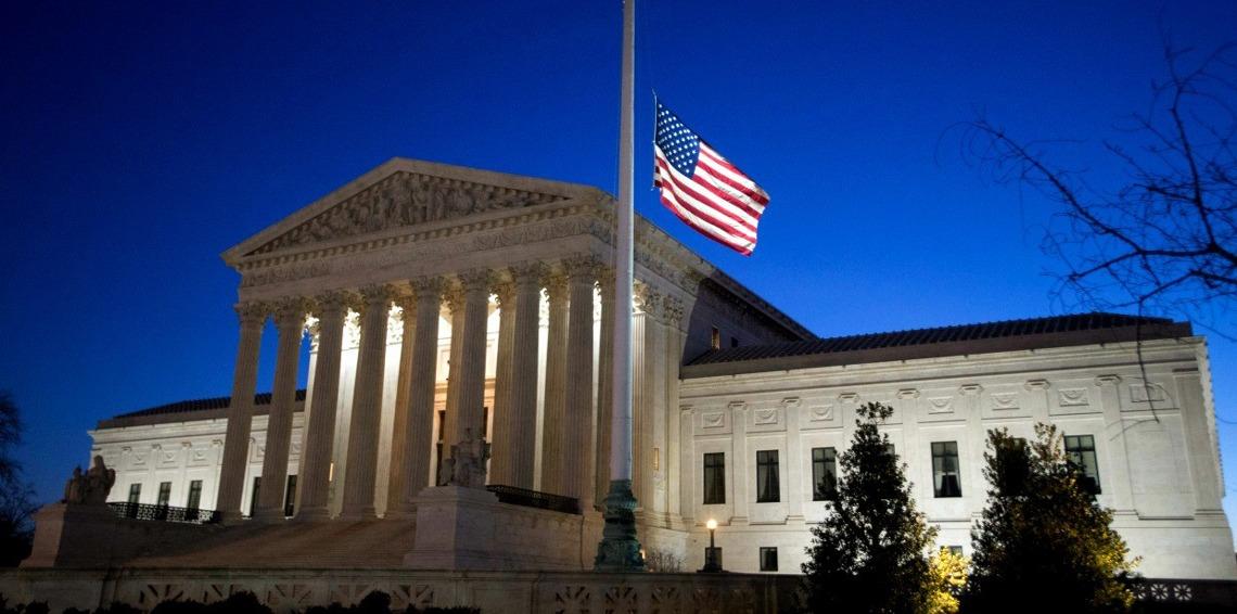 المحكمة الأمريكية العليا توافق على منع مواطني 6 دول مسلمة دخول أمريكا