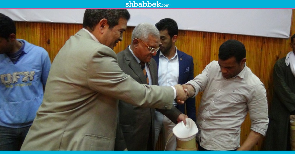 http://shbabbek.com/upload/جامعة المنيا توزع أجهزة تعويضية على الطلاب ذوي الاحتياجات الخاصة