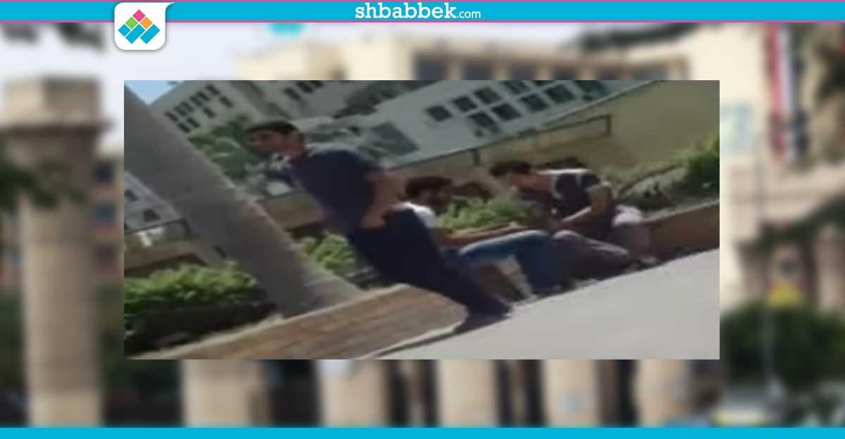 فيديو| طلاب بجامعة عين شمس يتعاطون المخدرات داخل الحرم