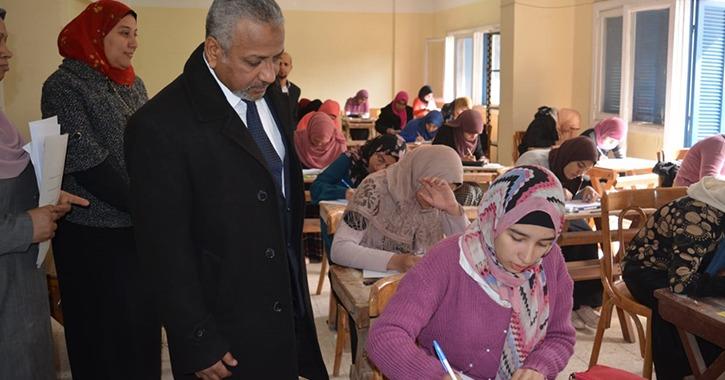 نائب رئيس جامعة الأزهر يتفقد امتحانات كليات الصعيد