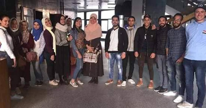 مشروع تخرج لطلاب بإعلام القاهرة يجمع 45 ألف جنيه لصالح الكلية