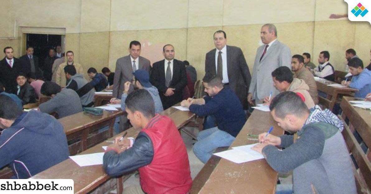 صور| رئيس جامعة الأزهر يتفقد 4 كليات في فرع تفهنا الأشراف