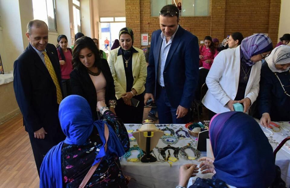 كلية تربية رياضية بنات بجامعة الإسكندرية تنظم معرض «منتجي»