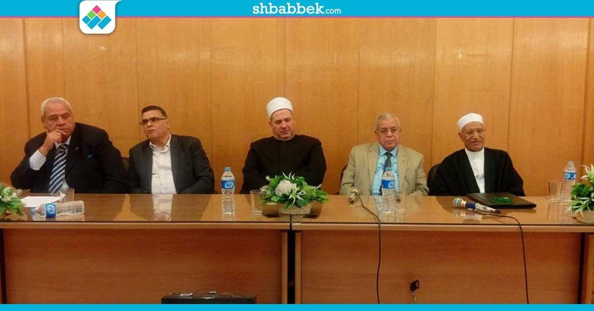 فيديو| أستاذ بالأزهر يناشد السيسي والبرلمان بالتدخل في أزمة رئاسة الجامعة