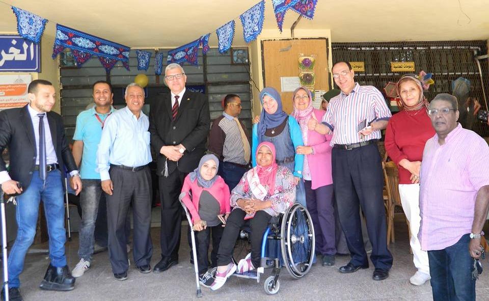 تجارة عين شمس تنظم «سوق الخير» لعرض منتجات ذوي الإعاقة