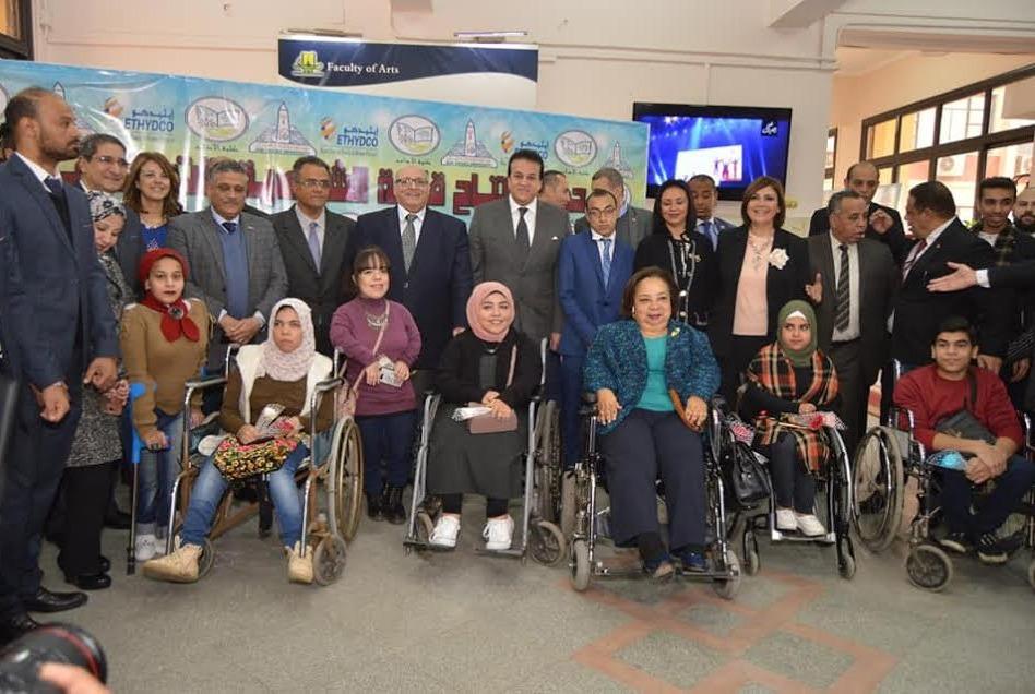 وزير التعليم العالي يفتتح أول قاعة خدمات للطلاب ذوي الإعاقة بجامعة عين شمس