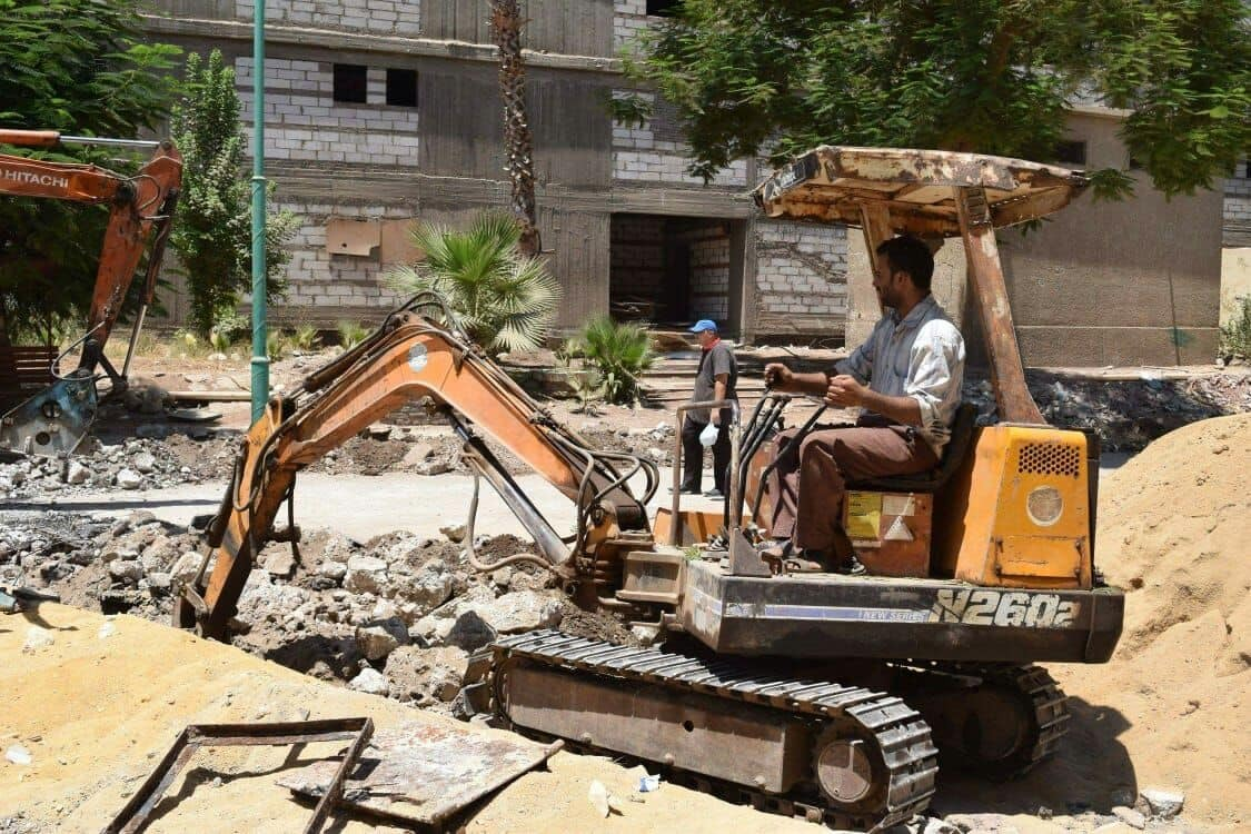 أعمال صيانة بجامعة سوهاج استعدادا للعام الجديد