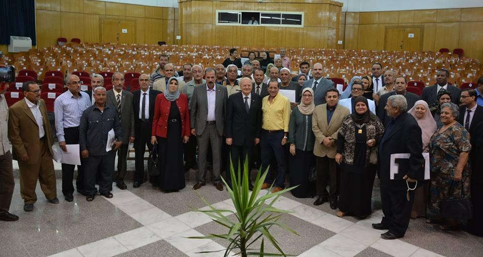جامعة الزقازيق تكرم 428 شخص من المحالين للمعاش