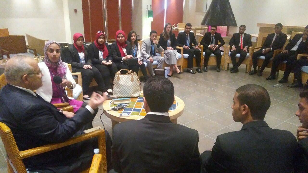 25 طالبا في جامعة القاهرة يشاركون في منتدى شباب العالم