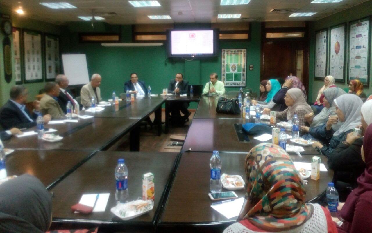 تدريب أعضاء هيئة التدريس على نظم إدارة التعليم الإلكتروني المدمج بجامعة القاهرة