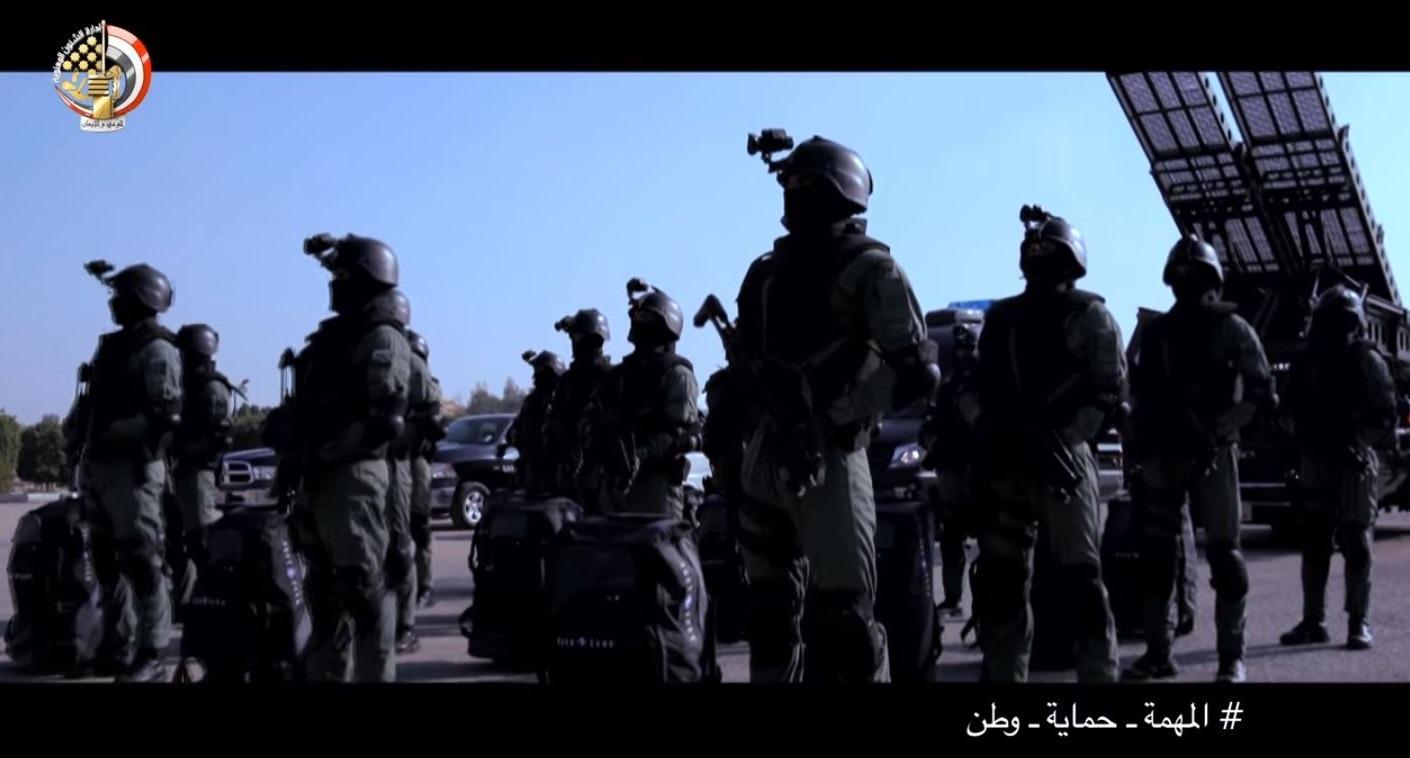 بالفيديو.. سلاح الصاعقة المصرية يضبط خارجين على القانون