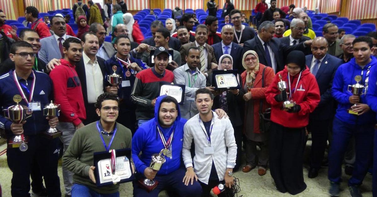 جوائز جامعة المنيا في المجال العلمي والرياضي بأسبوع شباب الجامعات