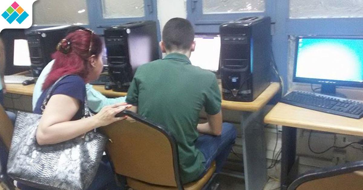 ٥٠٠ طالب يسجلون رغباتهم بمعامل تنسيق جامعة عين شمس (صور)