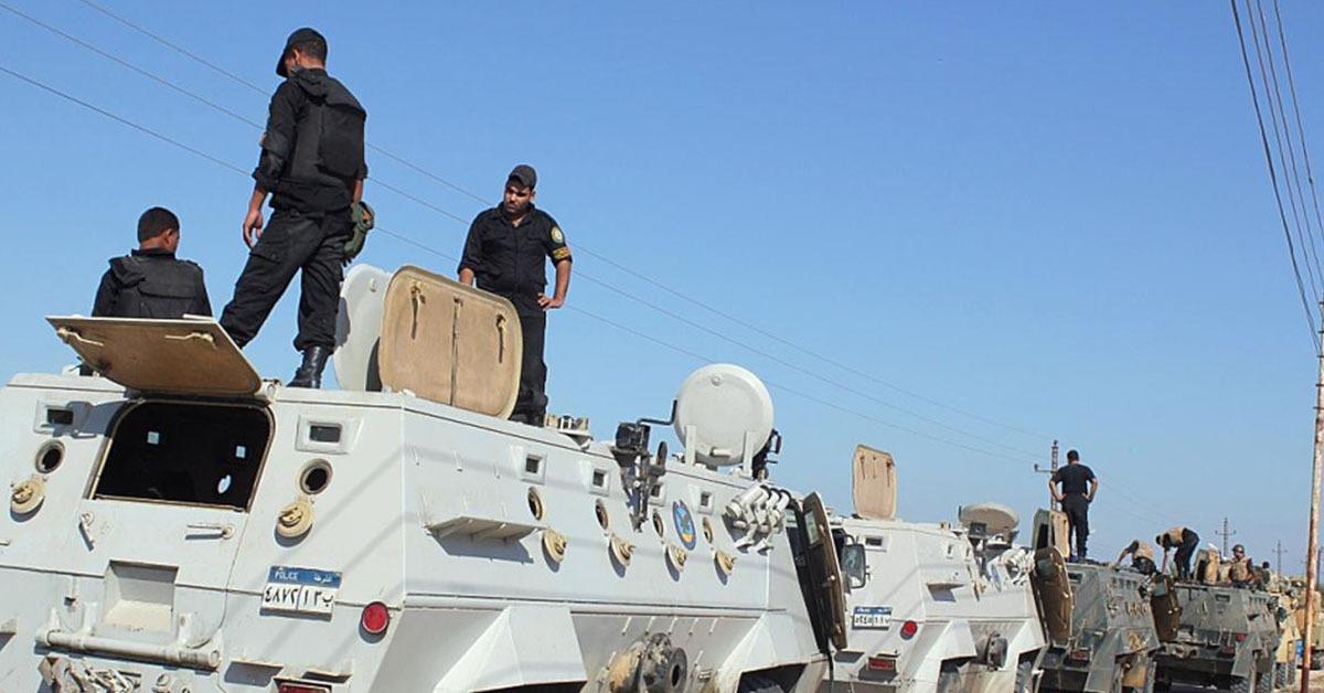 سكاي نيوز: مقتل 18 من قوات الأمن المصرية في هجوم إرهابي بالعريش