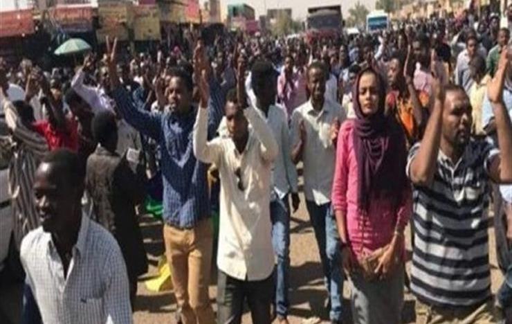 بالفيديو.. انتفاضة طلاب السودان ضد غلاء المعيشة والمطالبة بإسقاط النظام