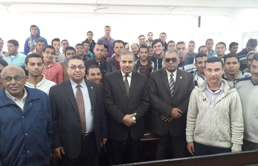 «المحرصاوي»: الجامعة مستعدة لشراء الزي الأزهري لجميع الطلاب