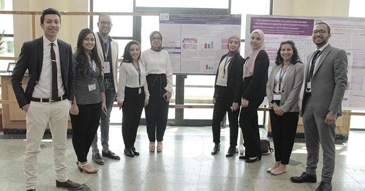 كلية الصيدلة جامعة «MSA» تناقش استخدام التقنيات دوائية لمكافحة السرطان (صور)