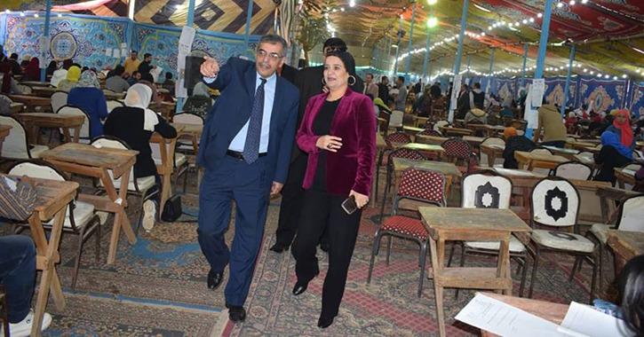 رئيس جامعة بنها يتفقد امتحانات كليتي التجارة والآداب