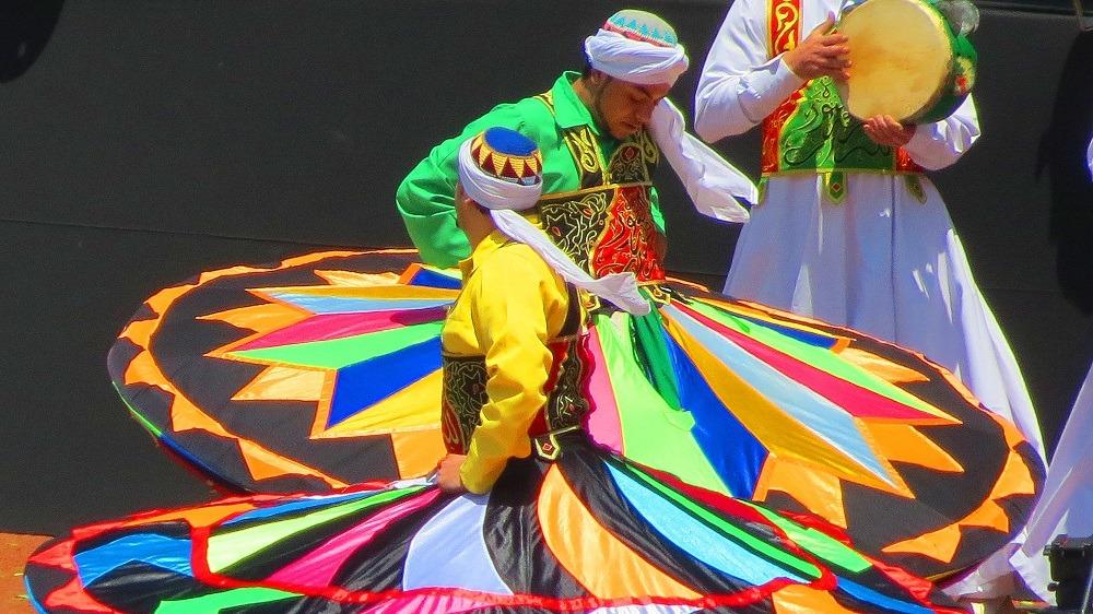 http://shbabbek.com/upload/خروجات في القاهرة.. ابتهالات دينية مع «التنورة» وأغاني أجنبية بـ«الجمهورية»