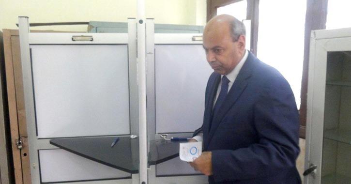 رئيس جامعة المنيا يدلي بصوته في التعديلات الدستورية ويعلن: نرغب في التقدم
