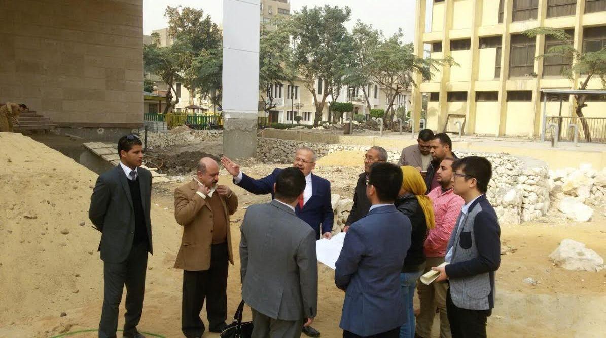 رئيس جامعة القاهرة يتفقد أعمال مبنى معهد كونفوشيوس الجديد
